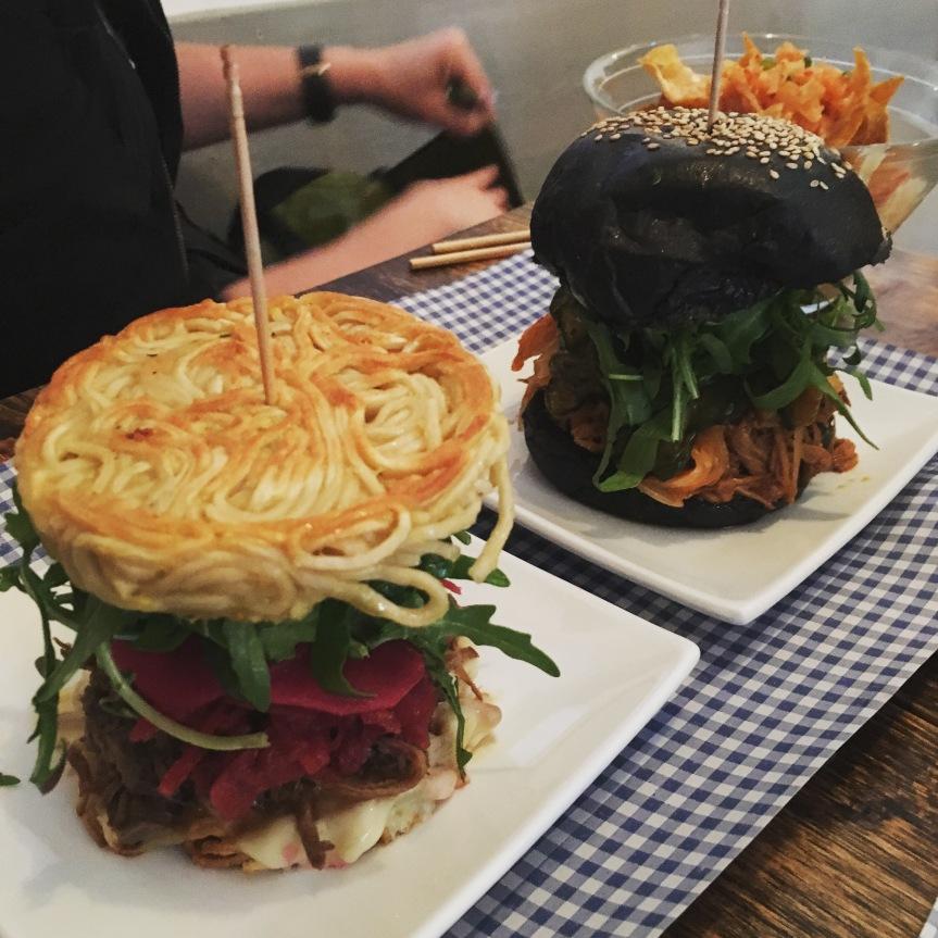 Ramen Burger und Black Jack Burger